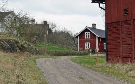 längs byvägen - Fivelsdal, Vånga