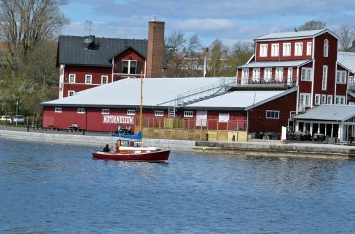 På andra sidan Motala ström/ Göta kanal ligger Motormuseet - värt ett besök om ni inte varit där!