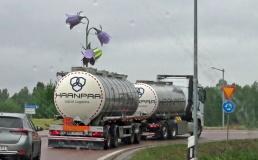 Blommande lastbil :)
