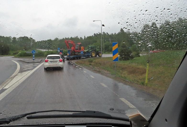 Vi hade inte hunnit långt när det började regna...