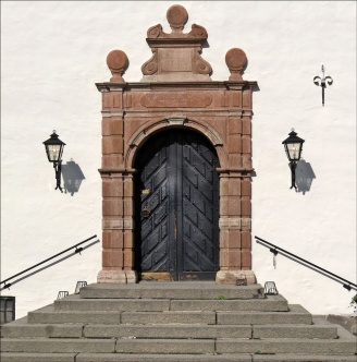 Den fina porten in till slottet...