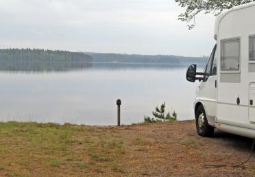 Stannade på eftermiddagen här vid Revelbadets camping vid Ö. Laxsjön mellan Laxå och Askersund