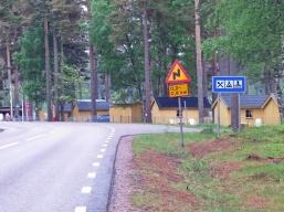 Här är infarten till Revelbadets camping ...