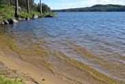 En fin strand och härligt klart vatten