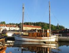 Valdemarsvik en morgon i juli.