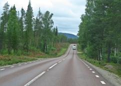 Vägen är bra och inte så hårt trafikerad.