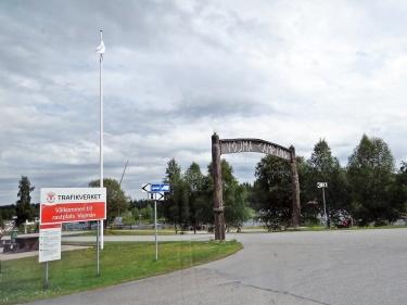 Stannade till vid Vojmåns Rastplats ... här är infarten till campingen ... men vi åkte vidare...