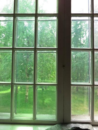 Vacker grönska utanför fönstren...