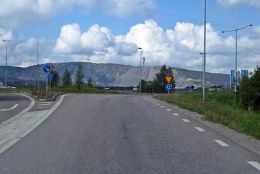 Passerade Kiruna och följde E 10 norrut ...