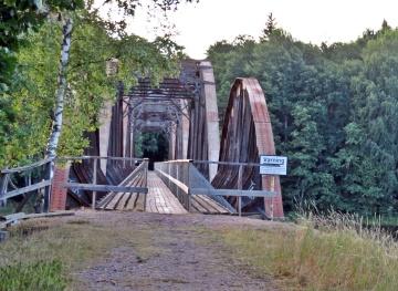Den andra av broarna ... och den längre.
