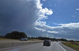 Hotande moln ...