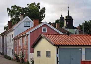 Fina hus vid en av de små tvärgatorna
