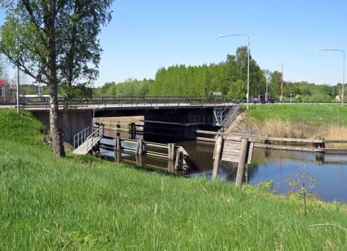 Bron över Göta kanal ... gamla E4:an