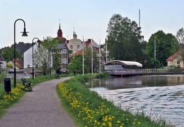 Vägen från ställplatsen till Kanalhamnen ...