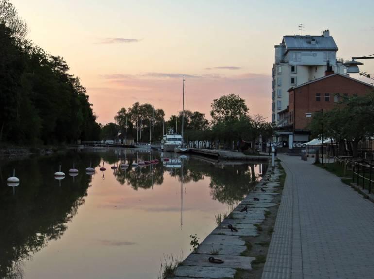Tidig morgon ... solen på väg upp ...