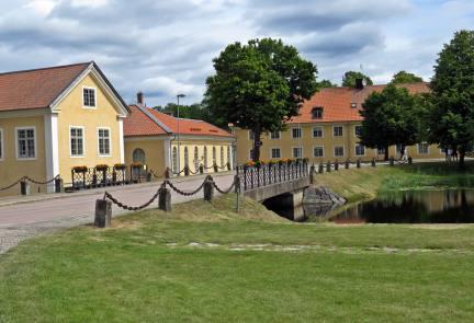 Hus tillhörande bruket ... och bron