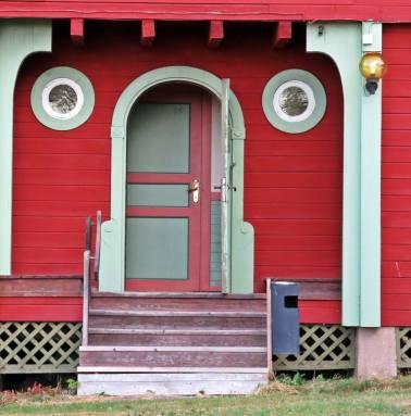 Dörr vid annexet