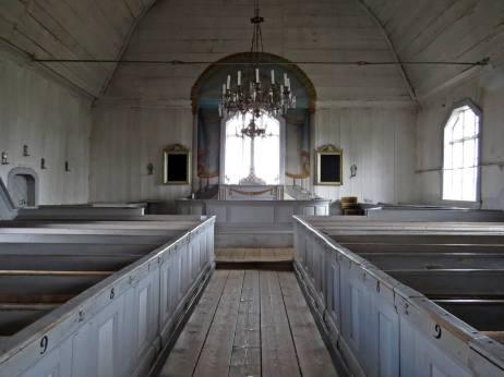 En enkel kyrka utan en massa utsmyckningar ...