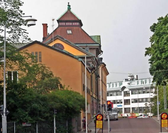 i Centrum av Falun ... på jakt efter en parkeringsplats.