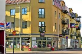 Ett gathörn i Sunne ... många skyltar är det :)