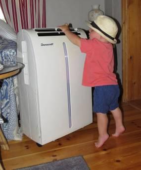 Charlie upptäckte vår AC ...