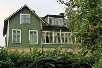 ... samma hus från annan vinkel.