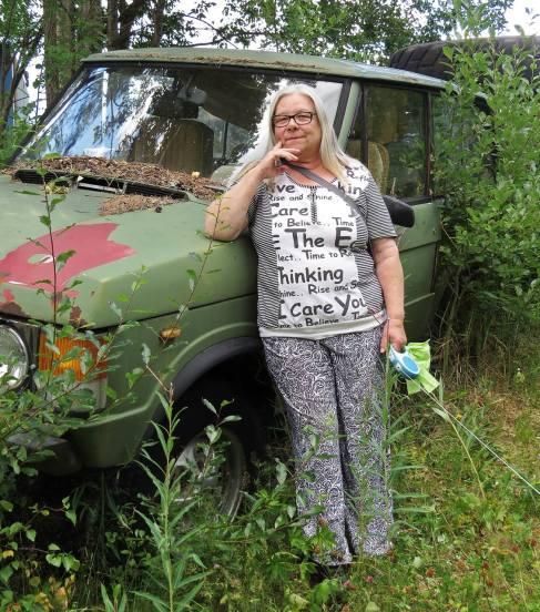 11 juli på besök i Fredriksberg. Här, sa Paula - ta en bild på mig här! OK ... :)