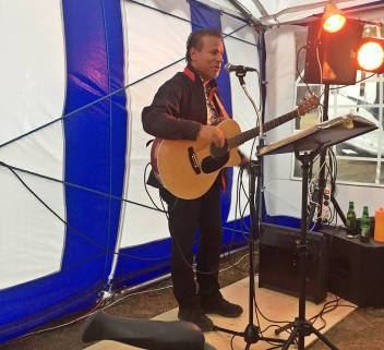 Musikunderhållning var det också ... Steffe från Karlstad ... mer vet jag inte ...