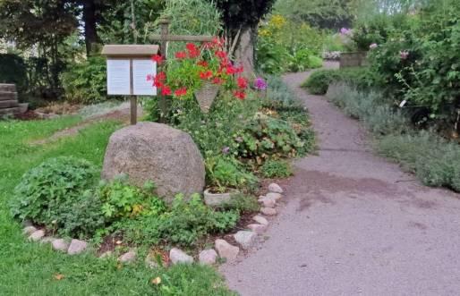 här kan man läsa om Lustgården ...