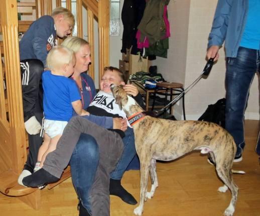 Olle var förstås också med - här säger han hejdå tll alla barnen och Lina :) :)