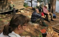 Helene, Nettans kompis från Stockholm har kommit ned för att följa med ut på svampjakt.