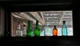 Fina flaskor lyser upp ...