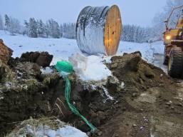 19 december. Grävning för fiber ...