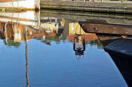 Spegelblank morgon i Valdemarsvik ...