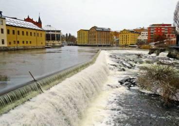 Närmast var vattenfallen strax bakom Visualiseringscenter ...