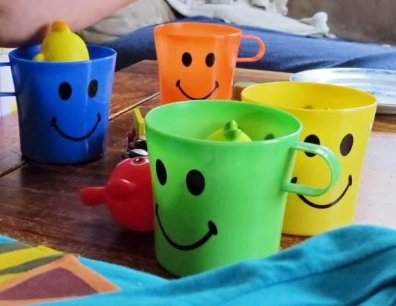 ... och glada smiley- muggar :)