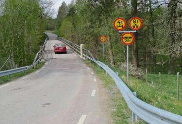 ... och så strax efter (eller före) bron över Motala ström.