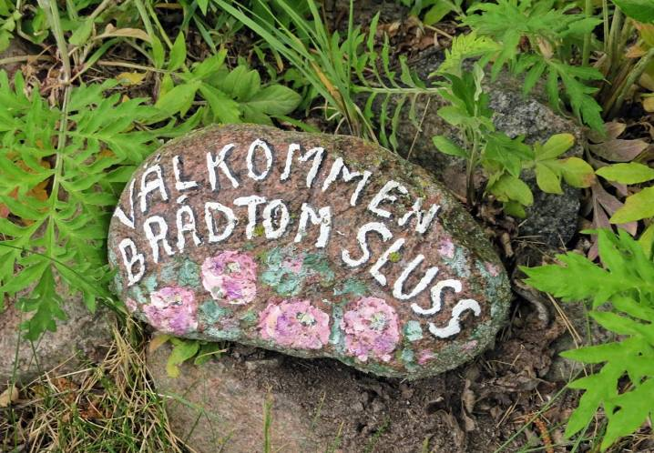 Handmålad liten sten ...