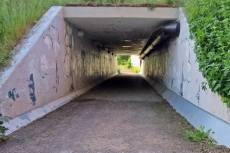 ... kom fram till Storgatan och passerade den via en gångtunnel ...