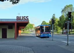 Busstationen ... ganska öde kl 7 ... har alla semester?