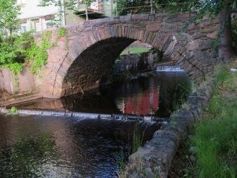 En vacker gammal bro ...