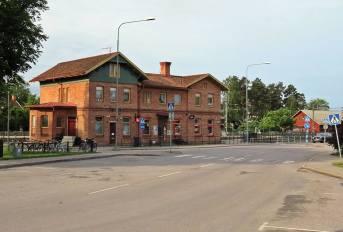 Kom så småningom till Järnvägsstationen ...