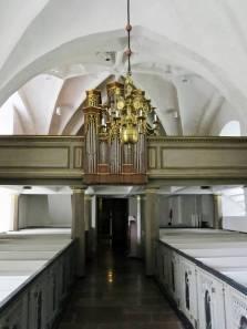 Orgeln i kyrkan byggdes ursprungligen 1868 av orgelbyggare Åkerman och hade 5 stämmor. Men efter de två renoveringar som gjordes av E.A Setterquist & Son, Örebro åren 1917 och 1946 fick den 11 stämmor. Efter en renovering i slutet på 60-talet ersattes den av en orgel av Åkerman & Lund.