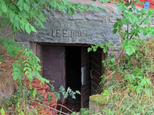 en gammal källare ---