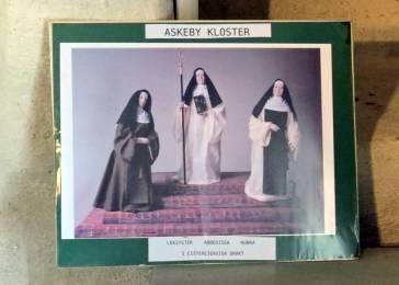 Där, alldeles innanför dörren fanns en gång en trappa till nunnornas sovsal ...