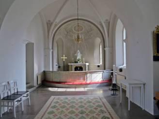 Interiör ... med altaret ...