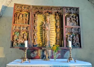 Altarskåpet i trä ...