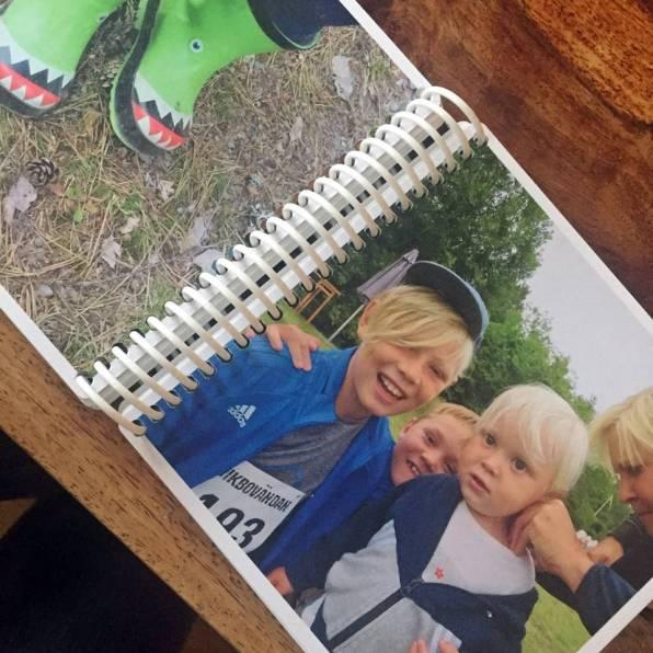 De älskade stövlarna ... och med brorsorna på terränglöpning i Ö. Husby.