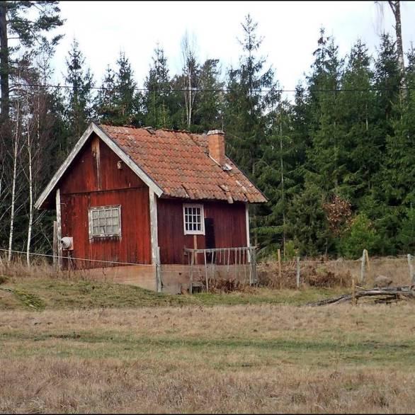 ... det lilla uthuset vid Trälsäter ...