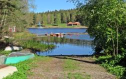 En iläggningsplats för småbåtar - och Bönnernbadet ses på andra sidan ...